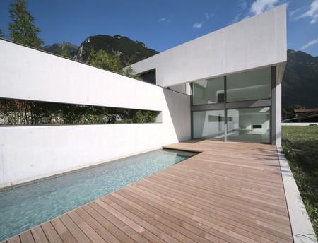 modern house exterior: modern house Stock Photo