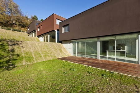 meadowland: beautiful modern house with garden, outdoor Stock Photo