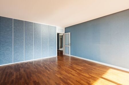 Interior, apartment empty in style classic, large room Stock Photo - 18913381