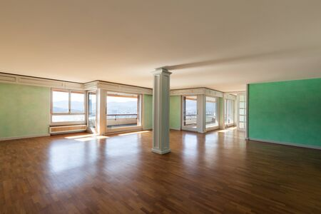Inter, empty apartment in style classic, large room Stock Photo - 18913377