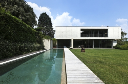exter, modern house and beauty pool Stock Photo - 21018650