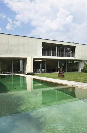 modern house with pool in exterior Stock Photo - 21018688