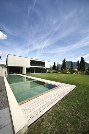modern house and pool, exterior Stock Photo - 21134062
