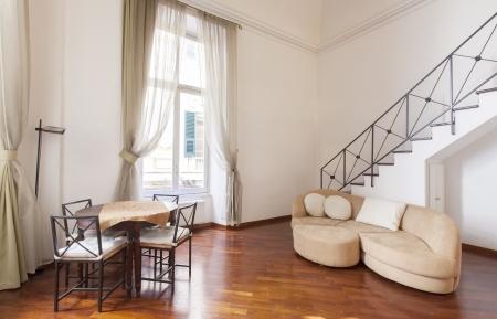 forniture: Sitio interior con muebles agradables adentro