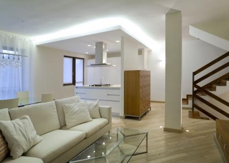 modern interieur: Nieuw interieur design appartement, woonkamer