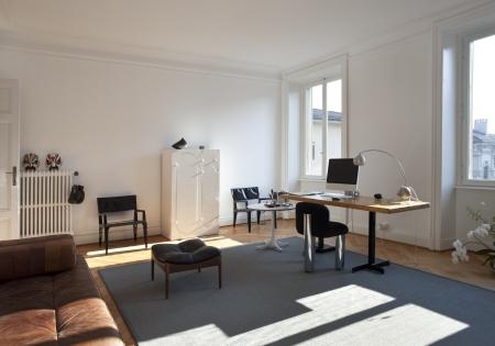 workstations: Vintage apartment furnished, studio