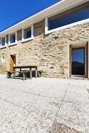 holiday home: casa de vacaciones en las monta�as, vista al exterior, fachada de piedra
