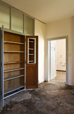demolished: empty room, interior of a old house