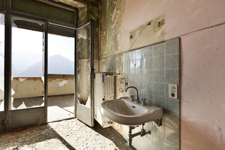 abandoned house, old sink