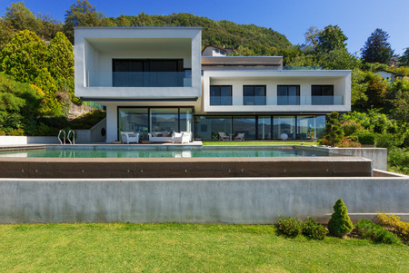 Luxury Villa with Infinity Pool 版權商用圖片