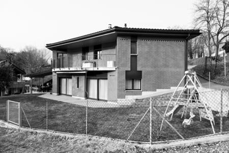 blackwhite: Black&White, brick house exterior