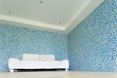 divan: sch�ne Villa, ein Hallenbad, wei�en Sofa