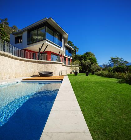 case moderne: Casa moderna, esterna