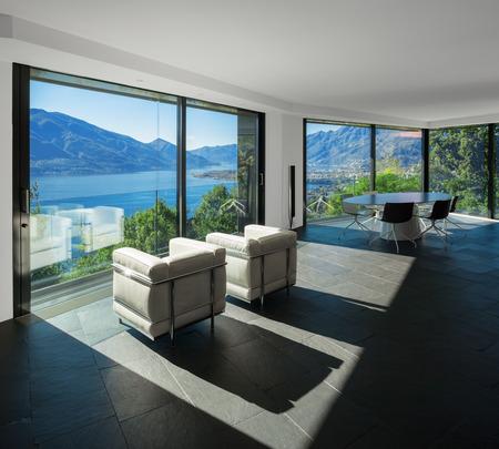 ventana abierta interior: Interior de la casa