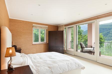 Bella casa interno, confortevole camera da letto