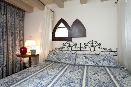 queen bed: bedroom interior Stock Photo