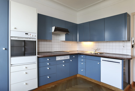 marble and tiles kitchen photo