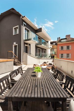 Casa Moderna, Moderno Y Muebles De Jardín Al Aire Libre Fotos ...