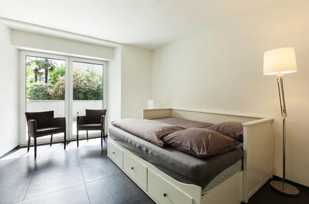 guest room: interni moderni casa, camera per gli ospiti Archivio Fotografico
