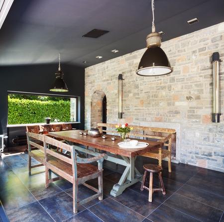 lamp house: Modern livingroom