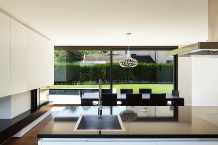 Villa moderne, intérieur, vue de la chambre de la cuisine Banque d'images