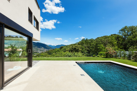 Modern villa , outdoor, view from poolside Reklamní fotografie - 36195385