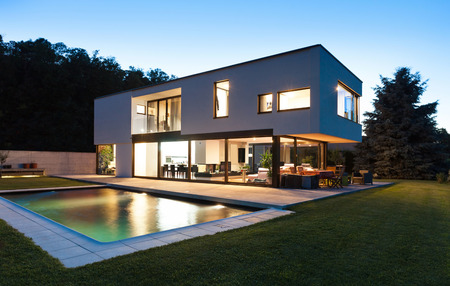 empty house: Modern villa with pool, night scene