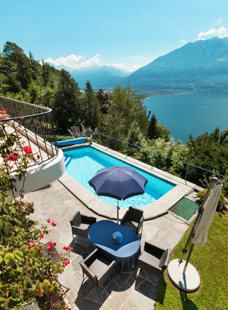 nice house: Nice terrace with swimming pool in a house on the lake