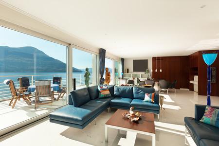 Innere des modernen Wohnung, großes Wohnzimmer