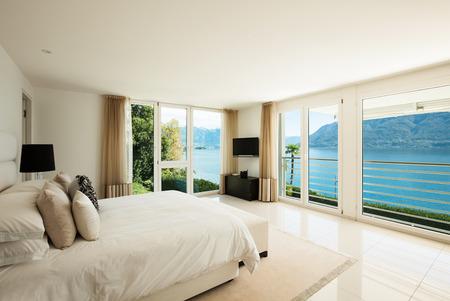 モダンなインテリア、快適なベッドルーム 写真素材