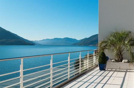 schöne Terrasse von einem Penthouse, außen
