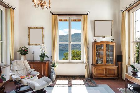 古い家、クラシックな家具、窓付きのリビング ルームのインテリア 写真素材