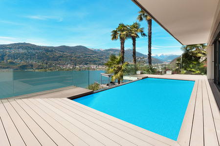 modern house beautiful patio with pool, outdoor Standard-Bild