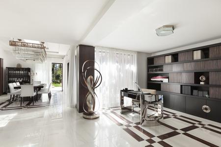 Moderne Architektur, schöne Halle von einem Luxus-Apartment