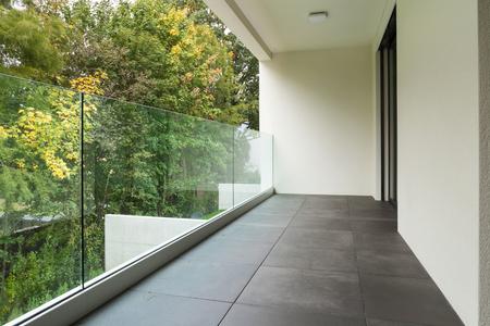 현대 건축, 새 아파트의 발코니