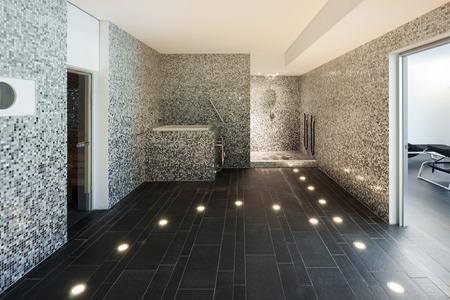 L'Inter di una casa moderna, bagno turco Archivio Fotografico - 49780966