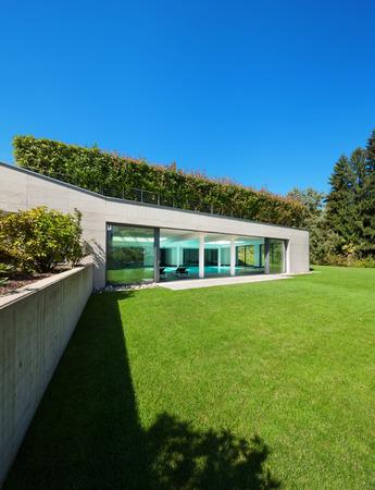 garden styles: Modern house, garden with indoor pool, outdoors