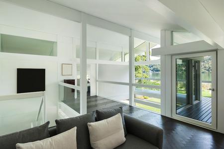 puertas de madera: Arquitectura, interior de una casa moderna, espacio abierto