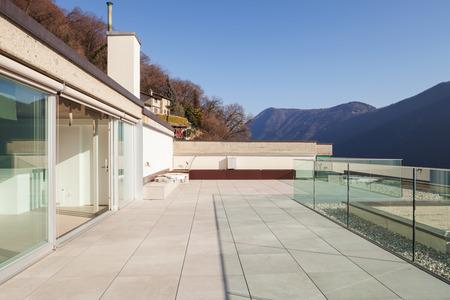 balcony window: Minimalist house, modern terrace