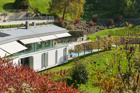 contemporary house: Architecture, modern house view from the garden Stock Photo