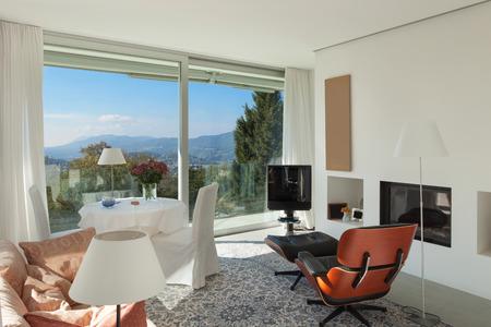 Interno di una casa moderna, bella stanza di seduta