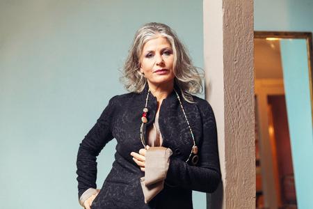 mujer elegante: Elegante mujer