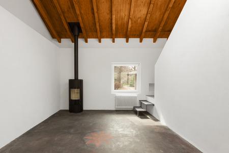 estufa: entre moderno loft, nadie en el interior