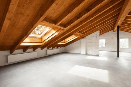 Interni moderni loft, nessuno all'interno Archivio Fotografico - 55519340