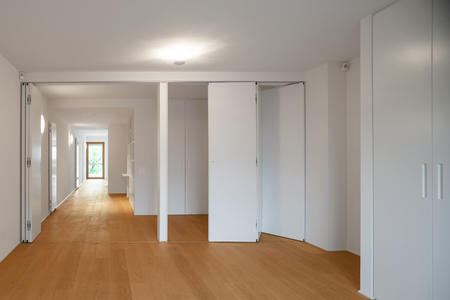 wooden partition: Interior of modern apartment with wooden floor