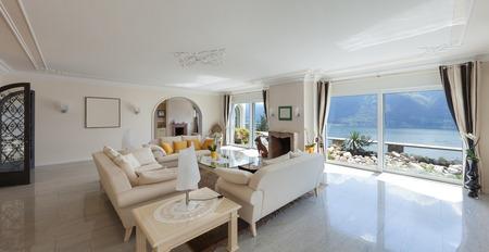 séjour dans la maison de luxe, un salon confortable