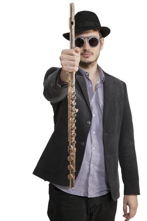 Porträtstudiomusiker mit seinem Musikinstrument.