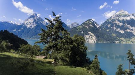 paesaggio montano in Svizzera
