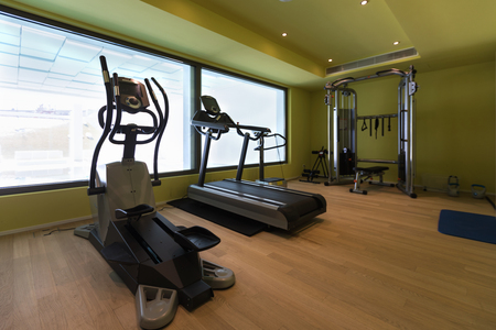 Gym of a private residence. Latest generation tools. Nobody inside Standard-Bild - 103216339