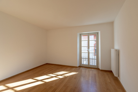 empty room with large window. nobody inside Banque d'images